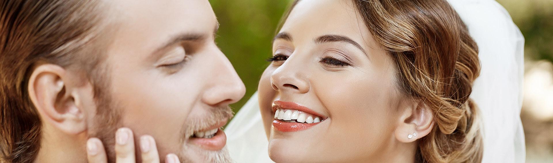 Gerade Zähne zur Hochzeit - schnelle Zahnkorrektur für Braut und Bräutigam